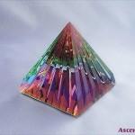 bunte-pyramide-600x450